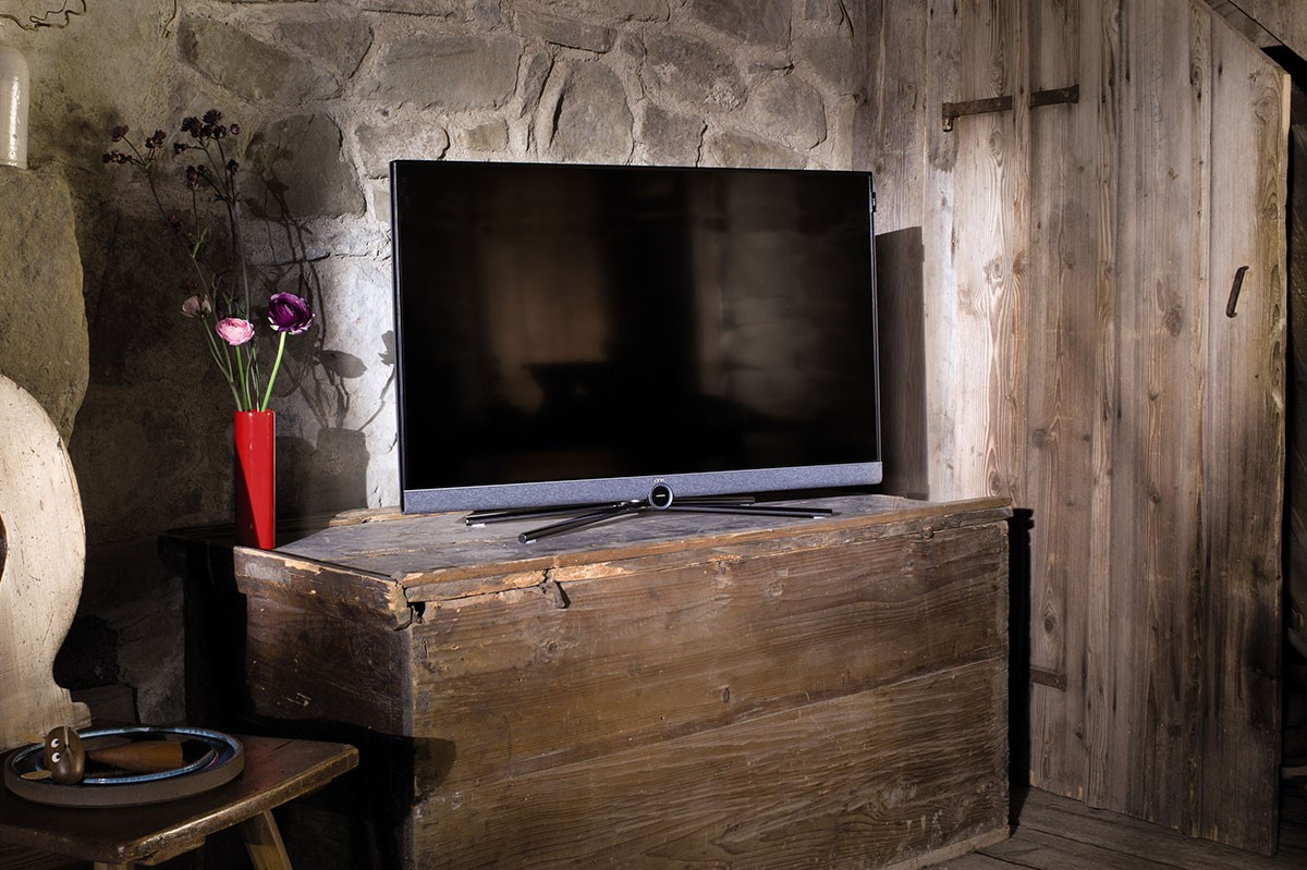 hifi concept living loewe bild 5 uhd tv ab sofort verf gbar. Black Bedroom Furniture Sets. Home Design Ideas
