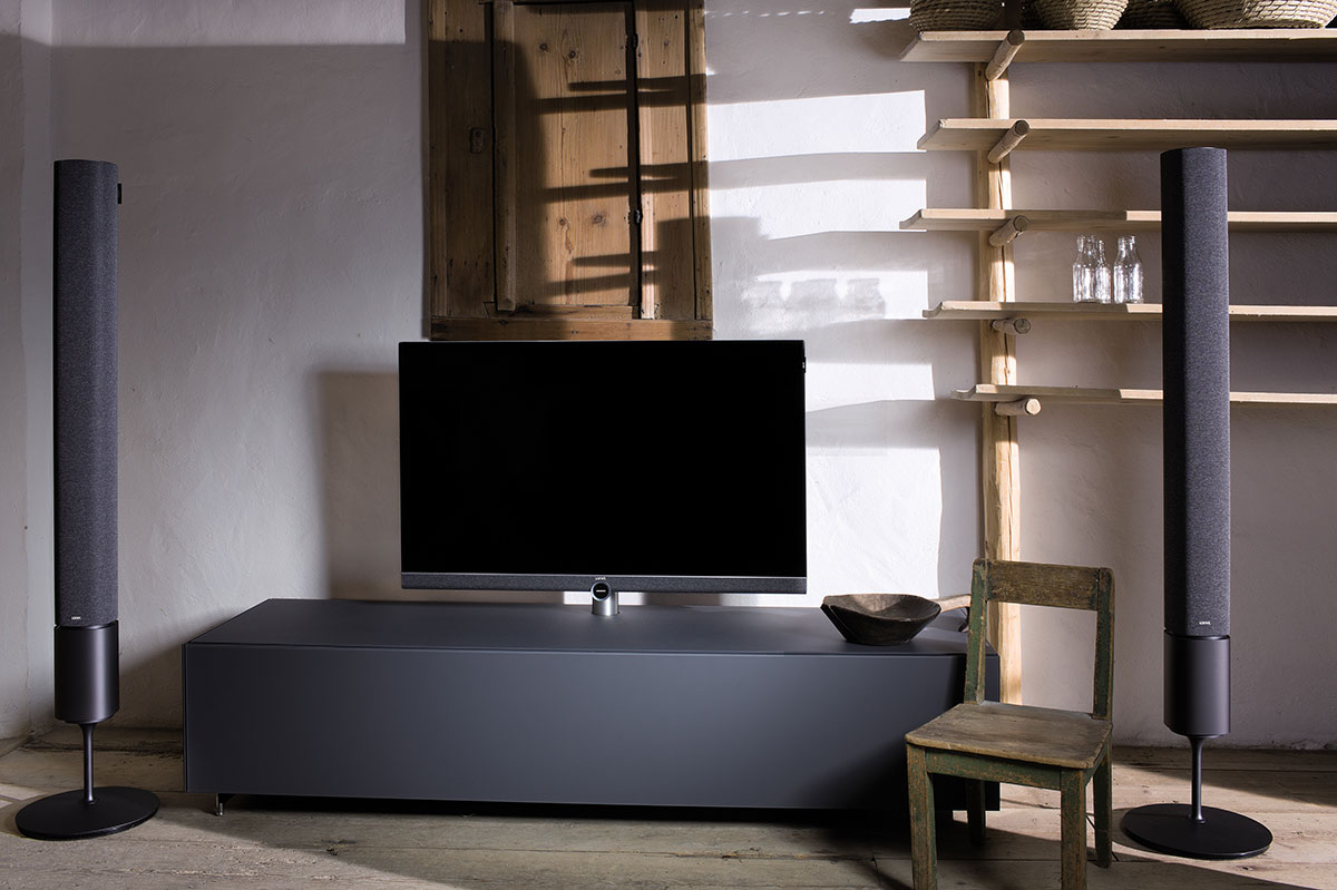 hifi concept living loewe bild 5 uhd tv ab sofort verf gbar. Black Bedroom Furniture Sets. Home Design Ideas