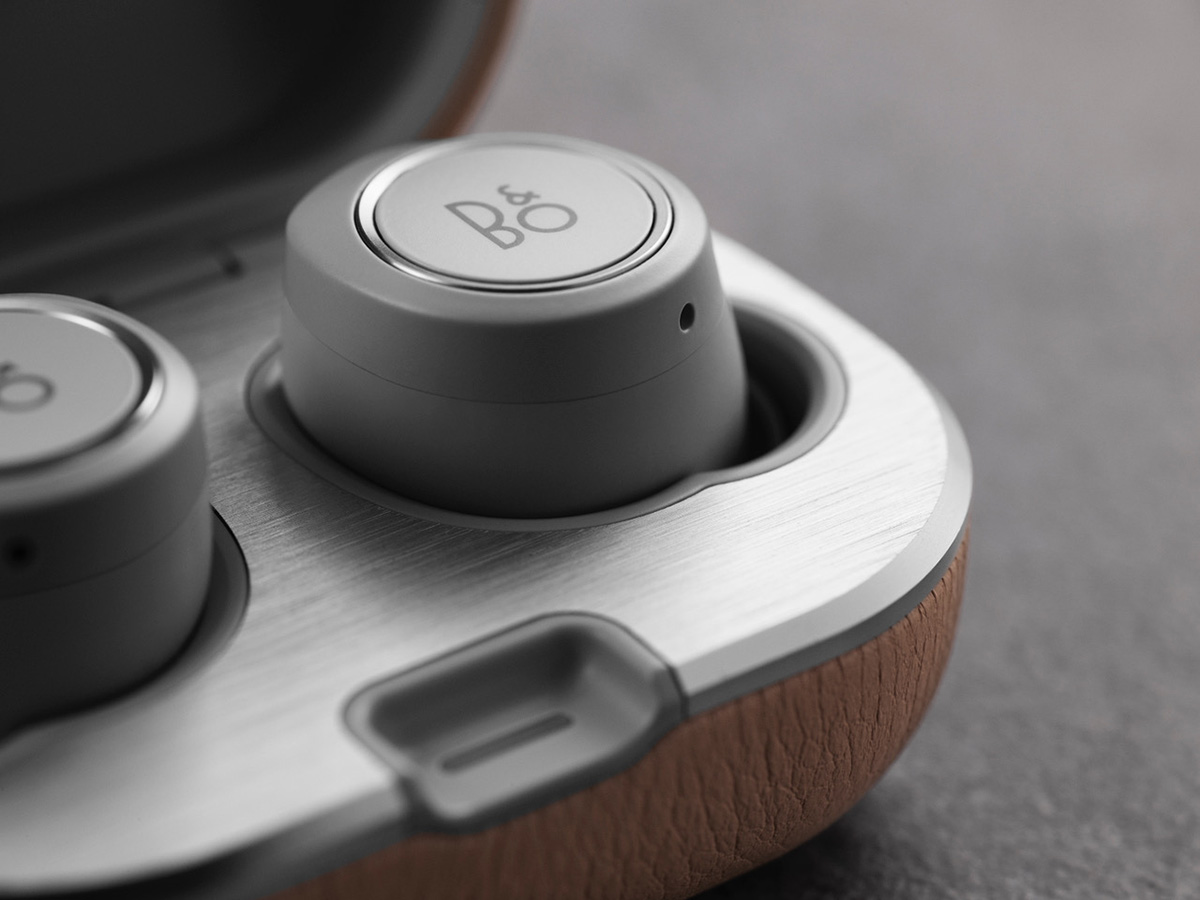 BeoPlay E8 Version 2.0 - Wireless In-Ear Headphone